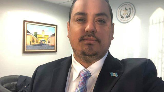 Tekandi Paniagua, cónsul de Los Ángeles