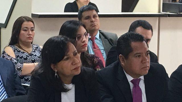 """Sala de Apelaciones agrega tres delitos a la jueza Rocío Murillo –al centro–, procesada por el caso """"Hogar Seguro""""."""