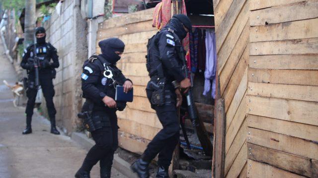 allanamientos por operativo Recuperación y Control en Chimaltenango