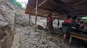 Ocurre deslizamiento de tierra tras lluvias en Alta Verapaz