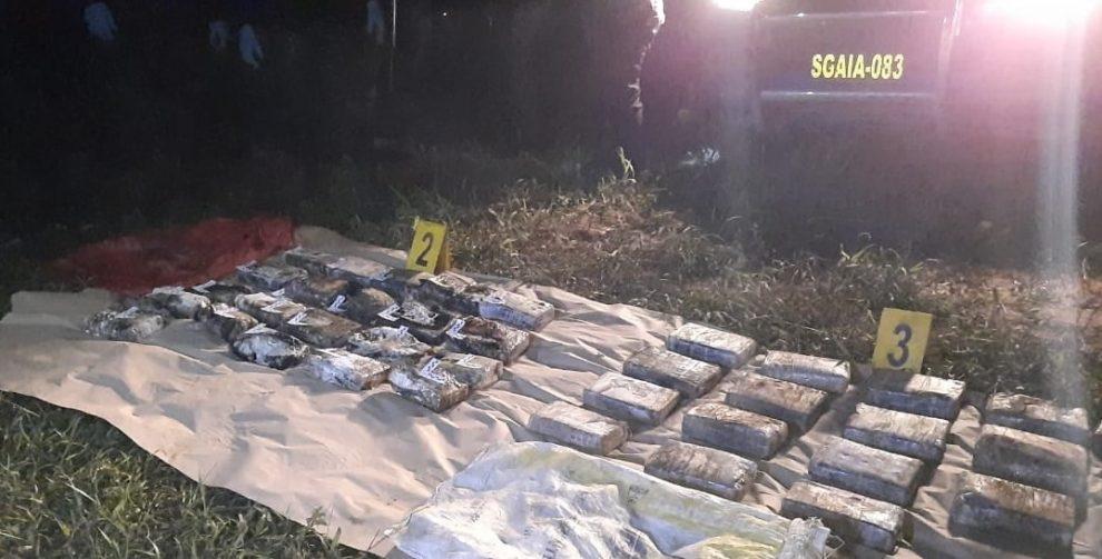 Localizan 46 paquetes de cocaína en aeronave accidentada en Izabal
