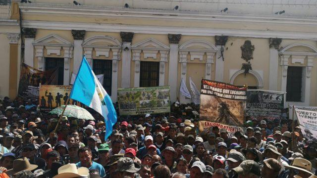 Exmilitares en manifestación frente al Congreso