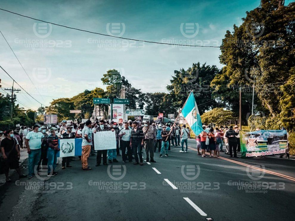 manifestacion-exmilitares-san-antonio-suchitepequez-emisoras-unidas
