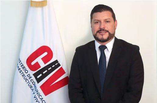 ministro de Comunicaciones, Josué Edmundo Lemus
