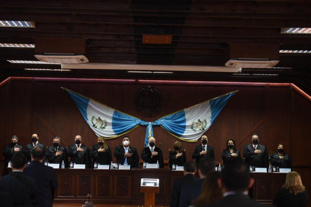 Nester Vásquez y Claudia Paniagua toman posesión como magistrados de Corte de Constitucionalidad