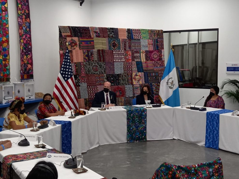 Vicepresidenta de Estados Unidos, Kamala Harris, se reúne con sociedad civil guatemalteca