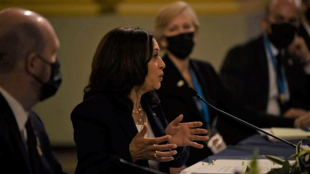 reunión de vicepresidenta Kamala Harris y presidente Alejandro Giammattei en Palacio Nacional