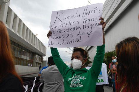 cierres vehiculares y manifestaciones cerca del Palacio Nacional por visita de vicepresidenta Kamala Harris