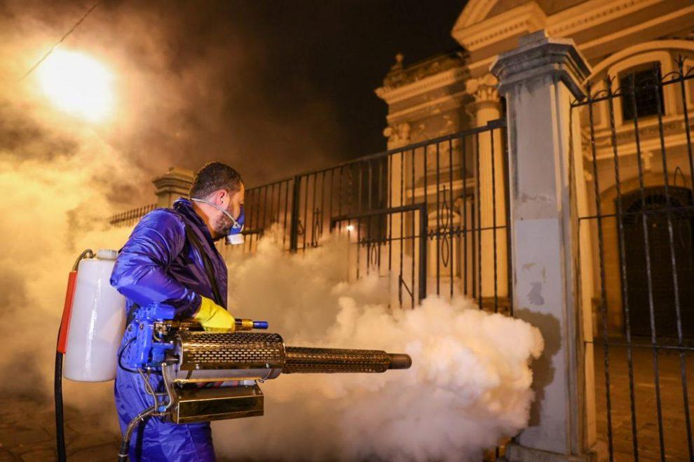 Municipalidad de Guatemala realiza tareas de limpieza contra el COVID-19 ante alerta sanitaria emitida por Salud.