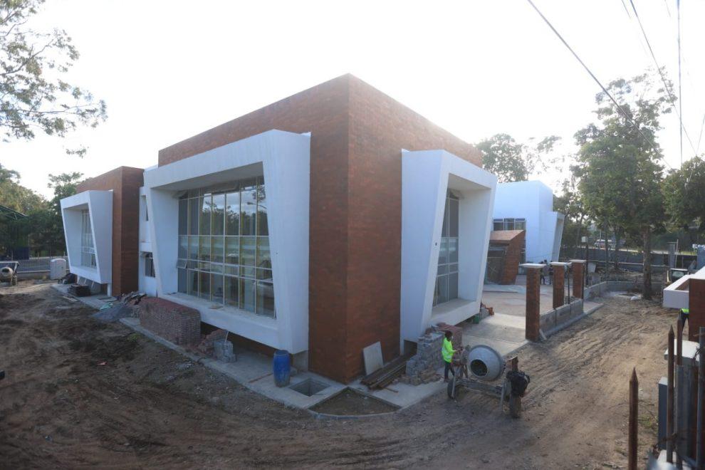 El alcalde capitalino, Ricardo Quiñónez, verificó la construcción del Munitecnológico (Munitec).