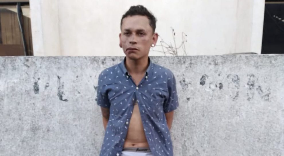 Sergio Alexander Castellanos Pérez sería el hombre que dio una golpiza a una mujer en la zona 1 de la capital.