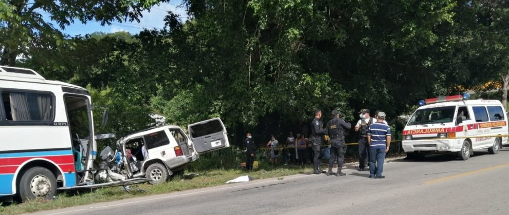 accidente de bus en Petén