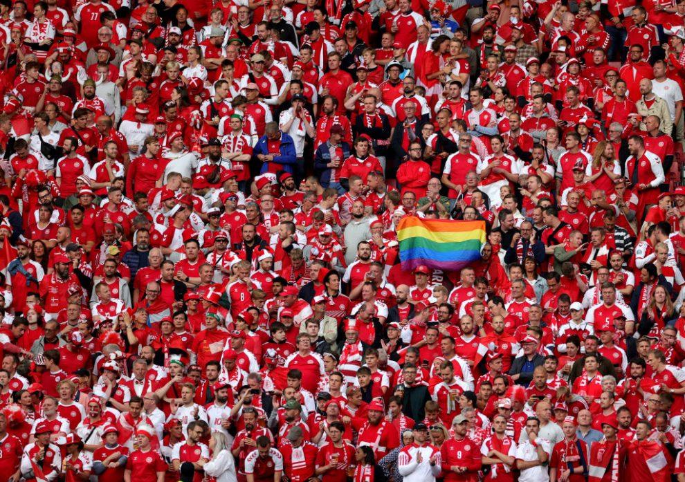 Bandera LGBT en la EURO 2020