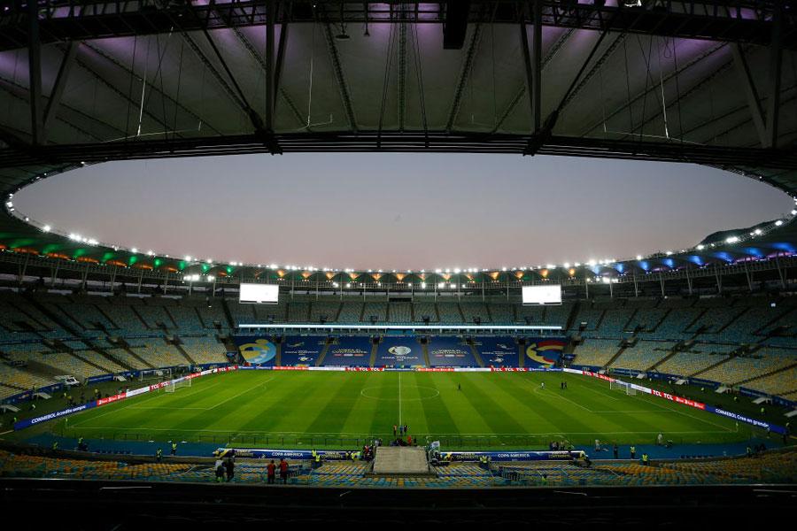 Vista aérea de la gramilla del estadio Maracaná, en Brasil