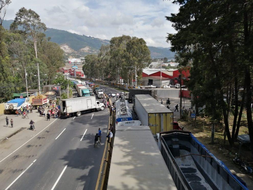 manifestación de recolectores en Km. 22 de ruta al Pacífico