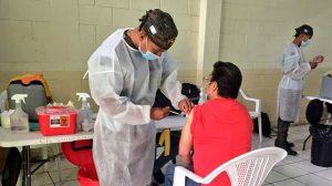 Elementos del Ejército apoyan proceso de vacunación contra el Covid-19