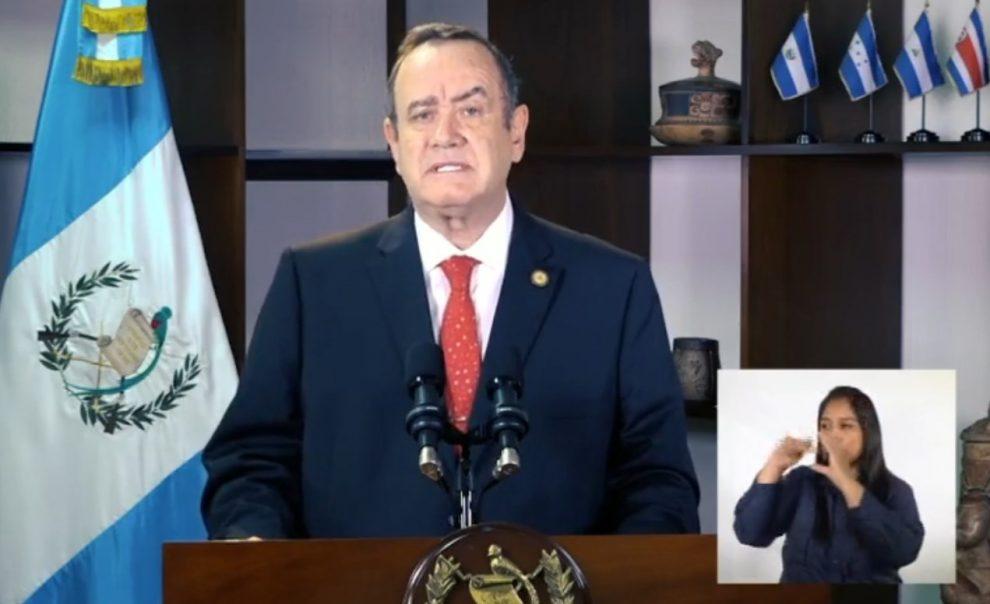 presidente Alejandro Giammatei explica situación de la pandemia