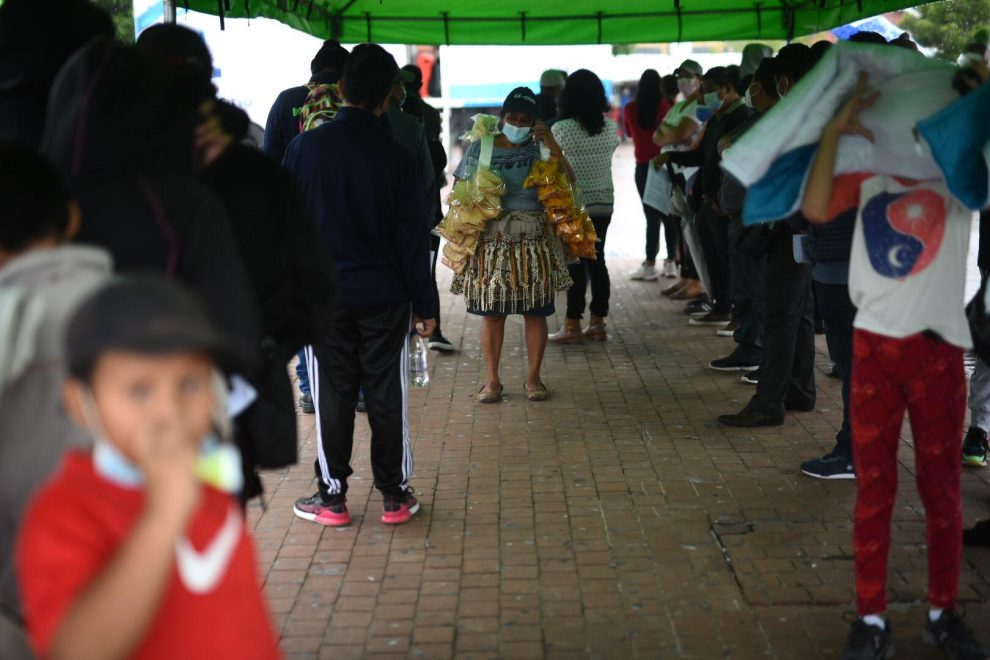 realizan pruebas de Covid-19 en plaza Barrios, zona 1
