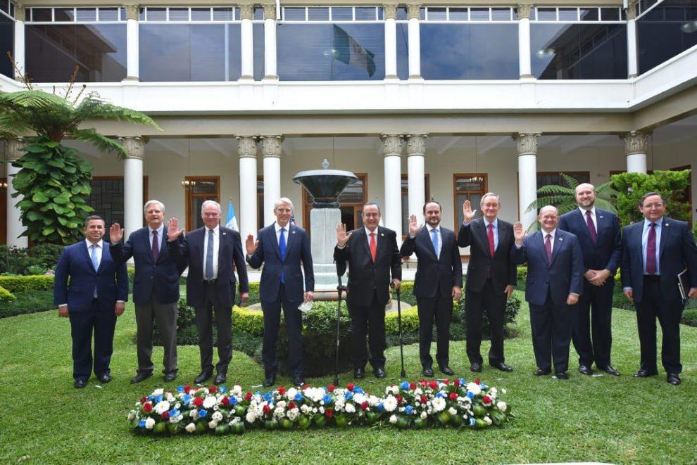 Senadores de EE. UU. se reúnen con Giammattei y Brolo