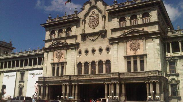 El gobierno detalló el estado de la pandemia causada por el COVID-19 en una conferencia que se desarrolló en el Palacio Nacional de la Cultura. Guatemala.