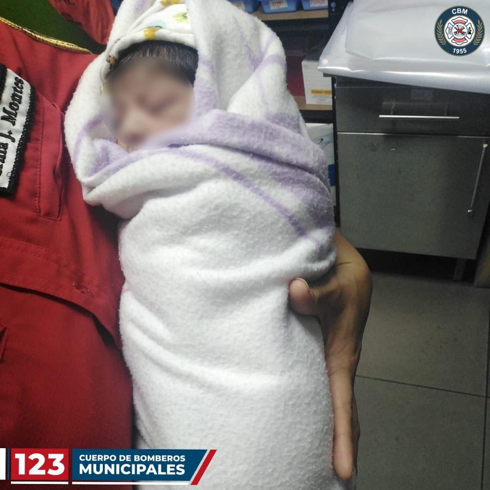Localizan a bebé abandonado en la zona 5