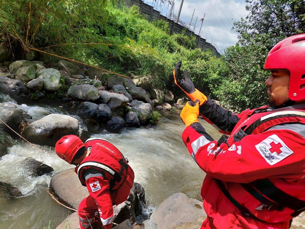 localizan fallecido a menor arrastrado por río en Retalhuleu