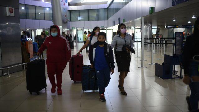 aeropuerto internacional La Aurora, viajeros deben tramitar salvoconducto para transitar durante toque de queda