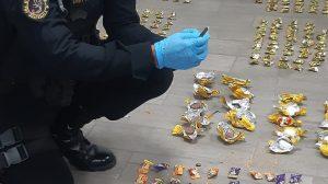 Localizan cocaína escondida en encomienda de dulces y chocolates