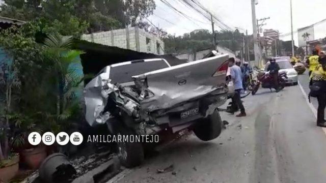 accidente de camión y varios vehículos en zona 10