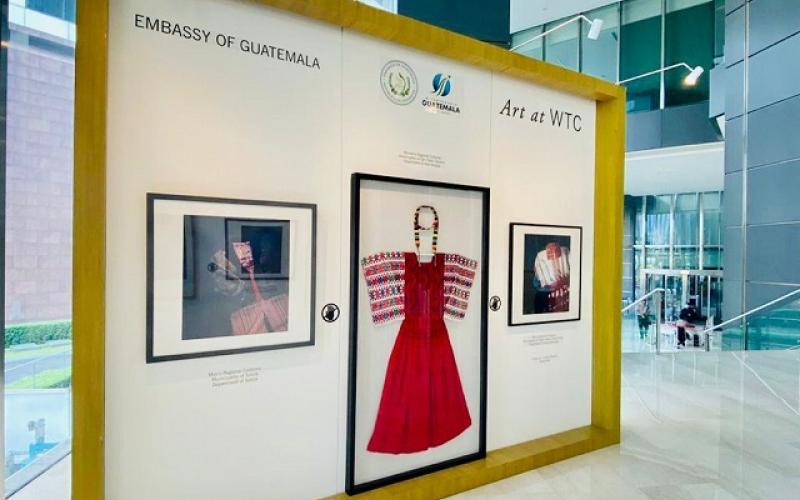 abren exposición de trajes guatemaltecos en Indonesia
