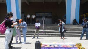 Manifiestan frente al MP para exigir justicia por muertes de Angie y Blanca