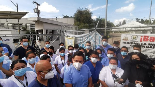 Personal del hospital del Parque exige abastecimiento de insumos y reforzar medidas de restricción