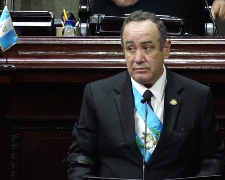 presidente Alejandro Giammattei en sesión solemne del Bicentenario