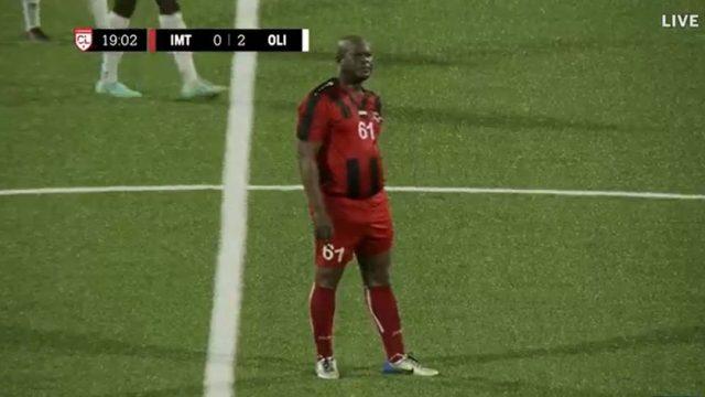 Ronnie Brunswijk, capitán del Inter Moengotapoe y vicepresidente de Surinam