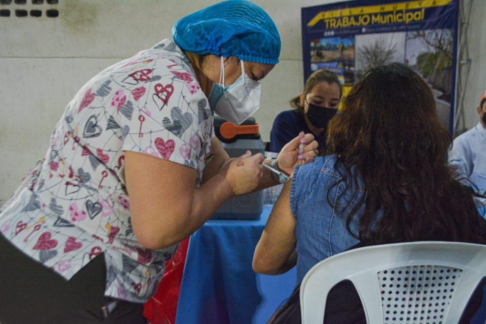 brigadas de vacunación contra Covid-19 en Villa Nueva