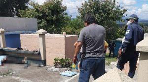 Mujer es asesinada en cementerio de Monjas, Jalapa