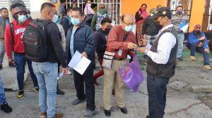 Realizan operativo contra tramitadores en Centro de Emisión de Pasaportes