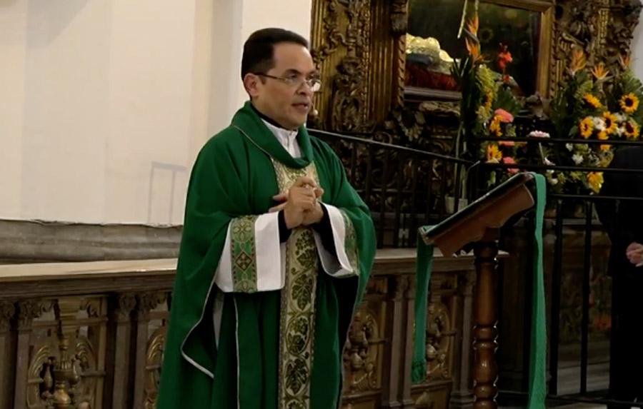 Padre Orlando Aguilar Castrillo